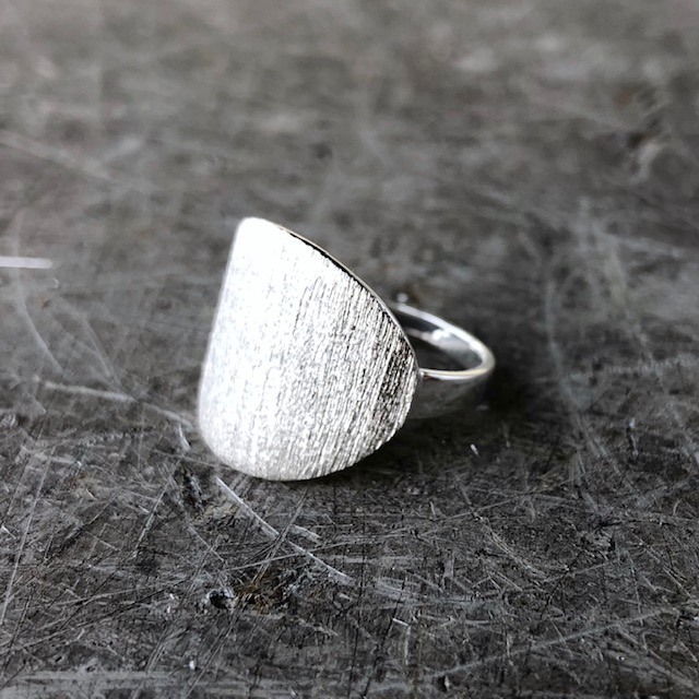 99bce860 Ring shape signet <br> sølv - Smykker - COW CONCEPT